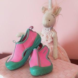 Speedo water shoe
